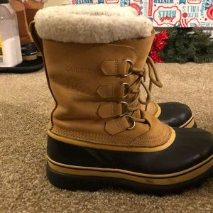 Women's Size 9 Sorel Caribou waterproof snow boots